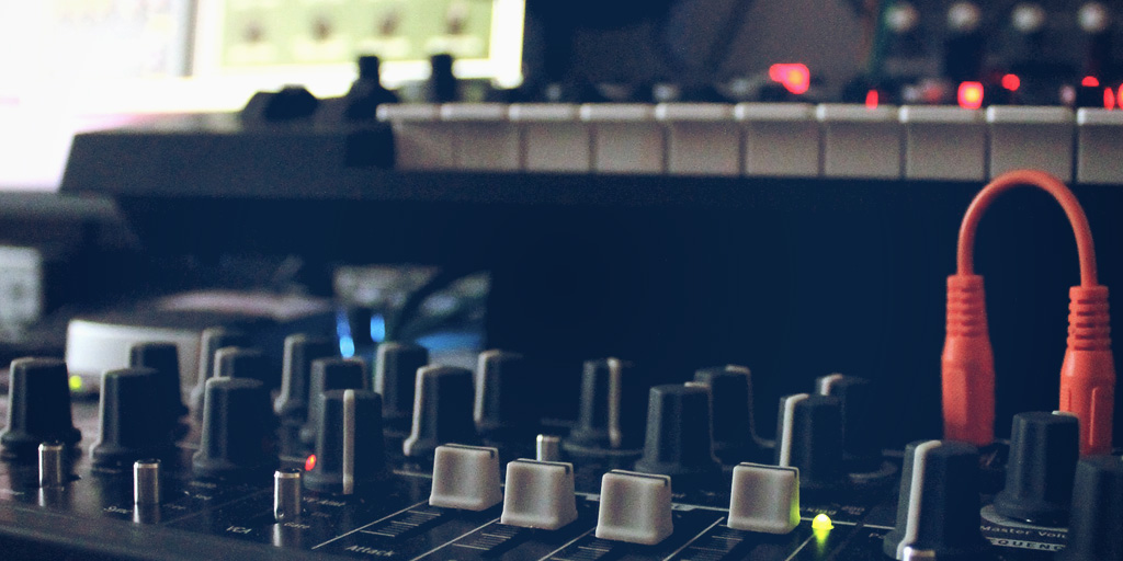 7 reasons why your website is the best place to sell beats online ...