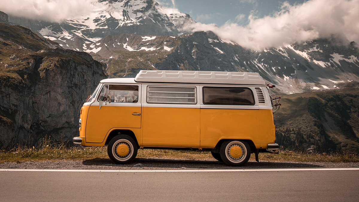Bandzoogle Blog - 13 rules for touring in a van - Main