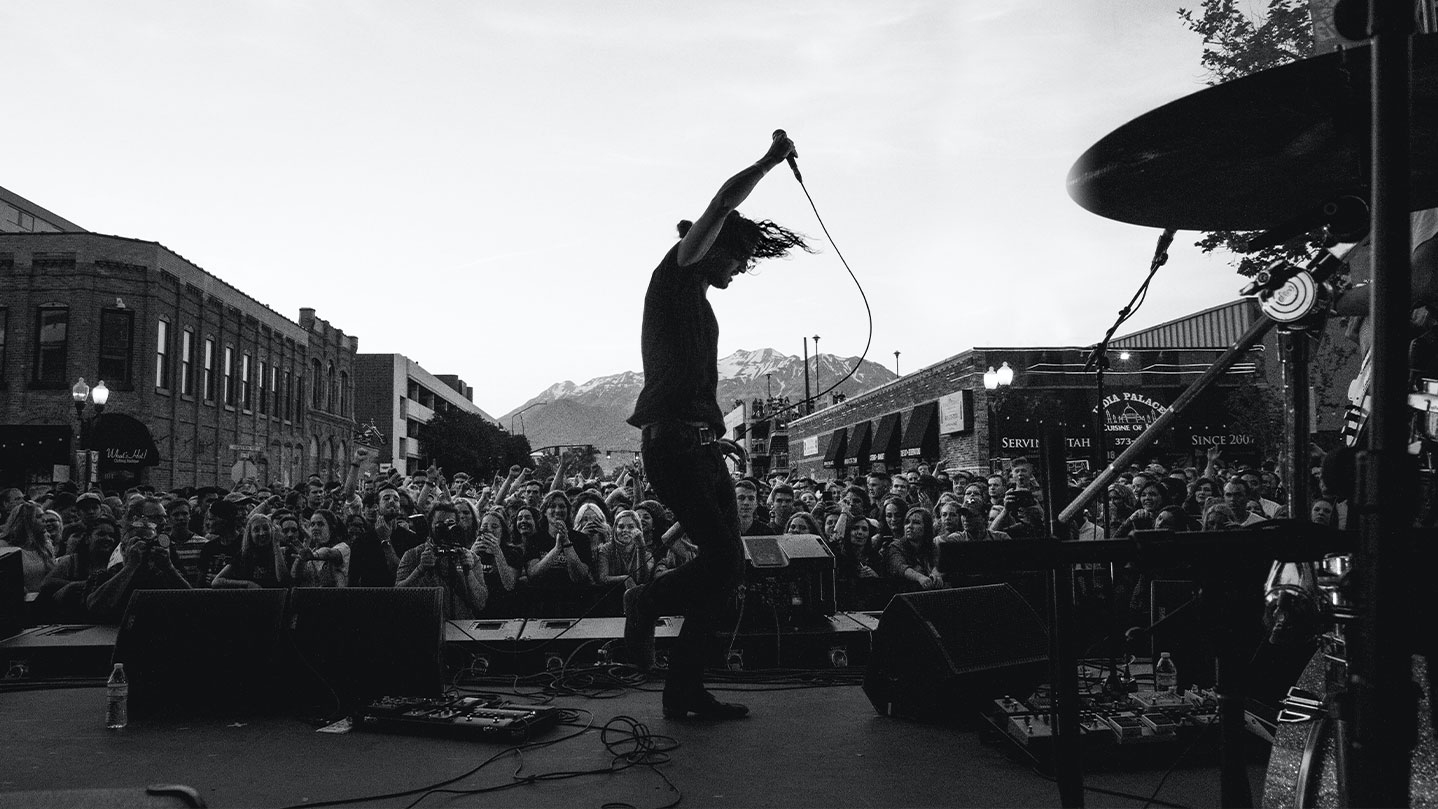 How to Prepare for Performing Outdoor Gigs